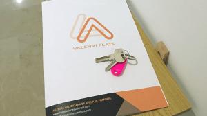 Contrato y llaves alquiler Valenvi Flats